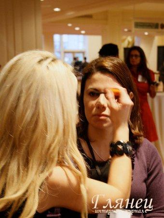 Учет освещения при нанесении макияжа