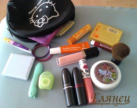 Декоративная косметика для молодой девушки