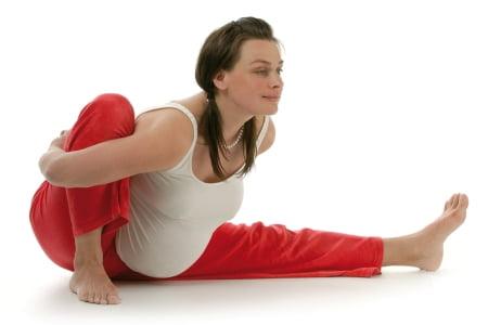 Упражнение от сильной  боли в пояснице при беременности фото