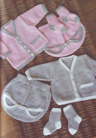 комплект одежды для новорожденного связанный спицами