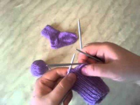 как вязать спицами носочки для новорожденного фото