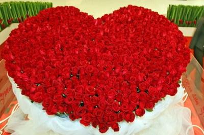 Сердце из роз фото