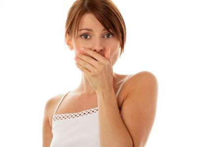 Почему изо рта пахнет ацетоном фото