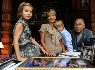 Юлия Высоцкая родила третьего ребенка фото