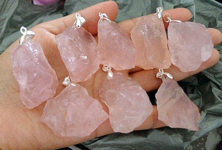 Розовый кварц камень – свойства, магическое значение и химический состав.