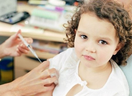 Прививка АКДС. Комаровский дает дельные советы по поводу детских прививок.