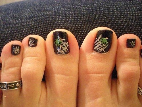 Педикюр.рисунки на ногтях