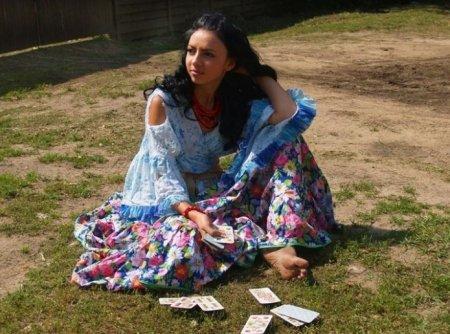 циганка с картами фото