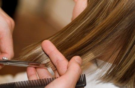 подстригать волосы фото