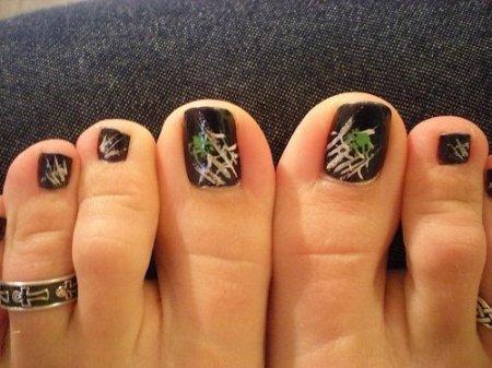 Педикюр рисунки на ногтях – фото