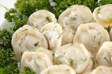 Пельмени - калорийность, состав, польза, рецепты приготовления и начинки для пельменей.