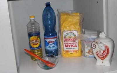 Ингредиенты для приготовления блинов на минералке фото