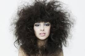 причины, почему волосы пушатся фото