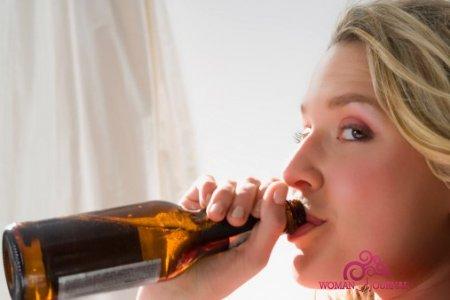 Стоит ли употреблять пиво при кормлении грудью?