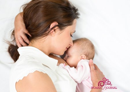 Кормящая мать и малыш