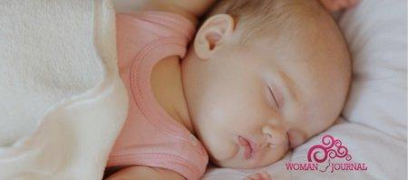 Как правильно кормить новорожденного во сне