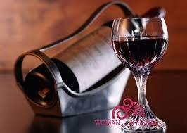 пить вино