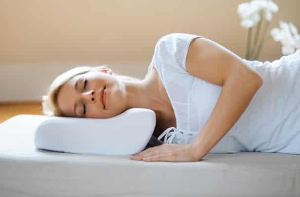 Ортопедическая подушка какой стороной спать. Как правильно спать на ортопедической подушке