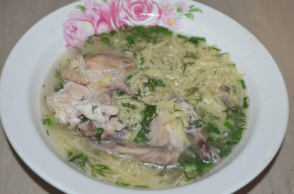 куриный суп с вермишелью без картошки фото